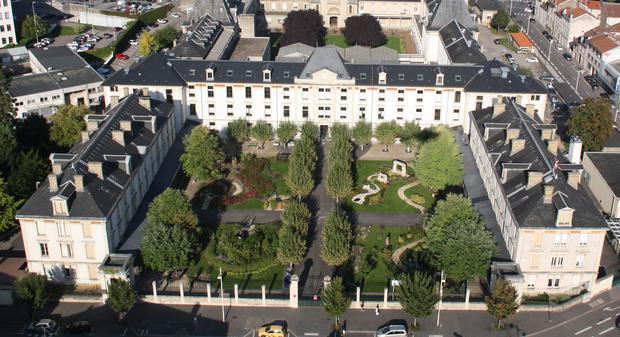Le Jardin thérapeutique «Art, Mémoire et Vie» à Nancy : un jardin pionnier engagé dans la Biodiversité