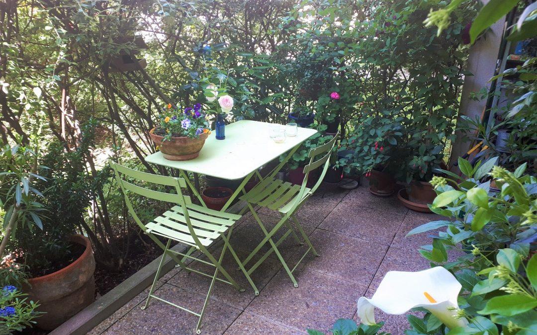 Une terrasse, support d'hortithérapie personnelle, en plein centre-ville